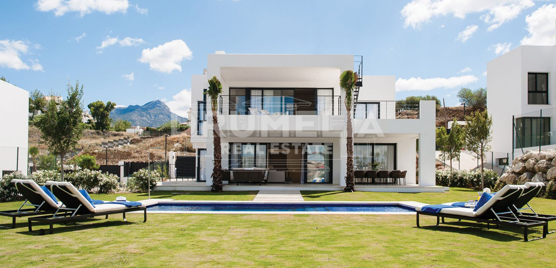 Nueva Andalucia, New Magnificent Contemporary Villa