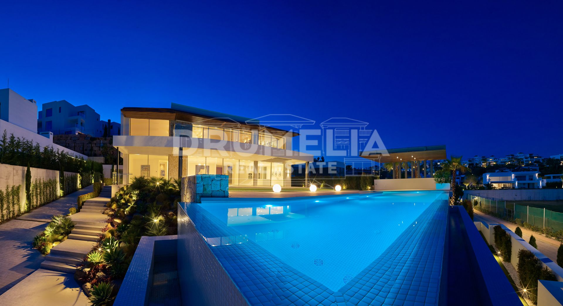 Benahavis, Exceptional Brand New Modern Villa in Capanes Sur/Condes de Luque, Benahavis (project)