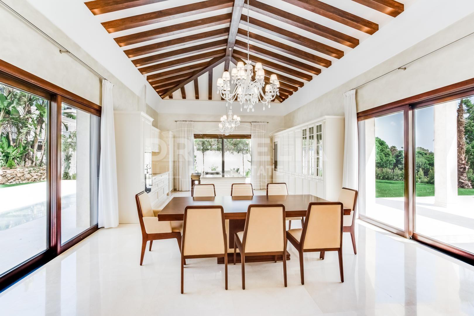 Stunning New Modern Golf Frontline Villa in Los Naranjos, Nueva ...