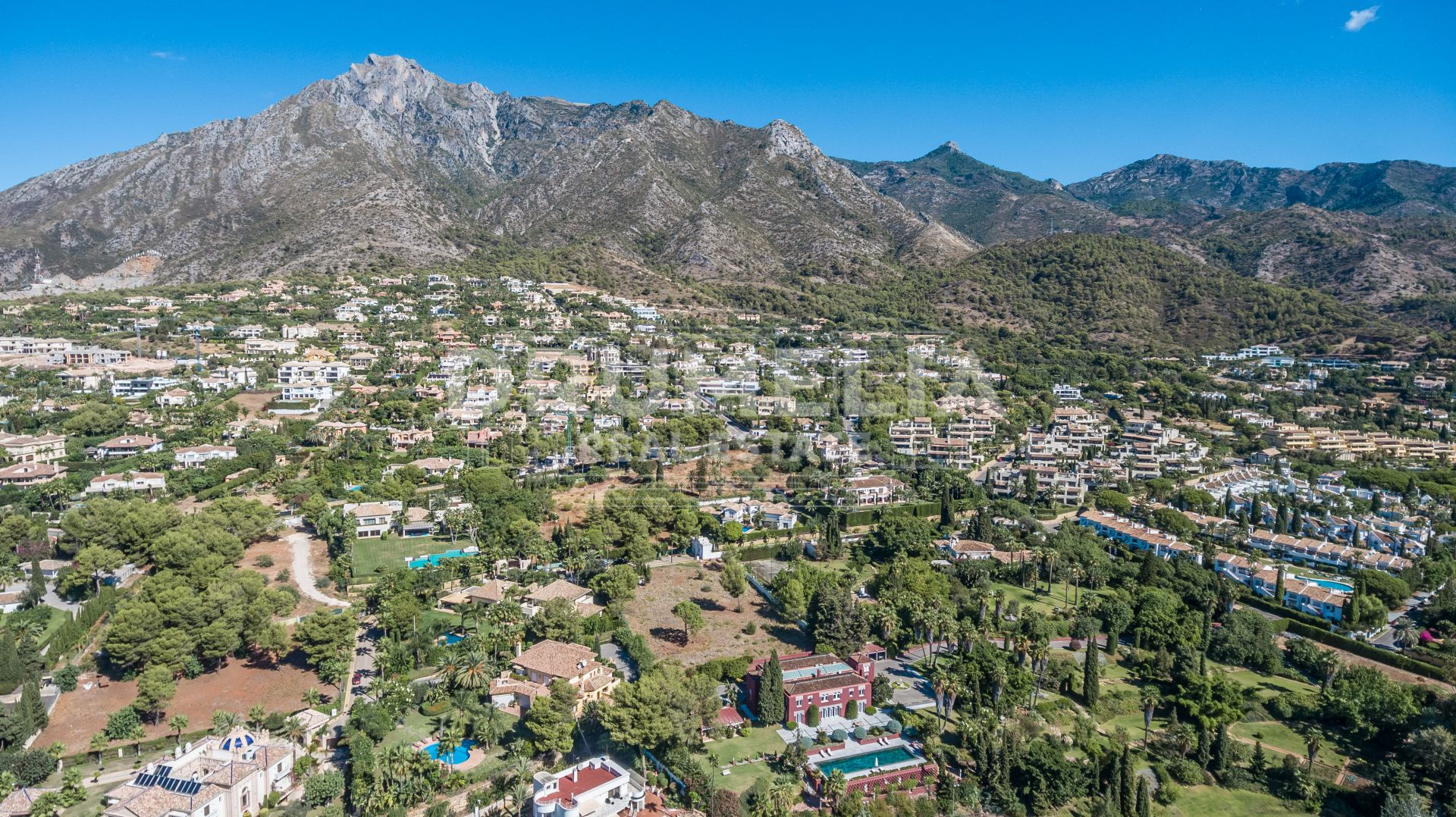 Marbella Golden Mile, Exclusive Plot in La Quinta de Sierra Blanca