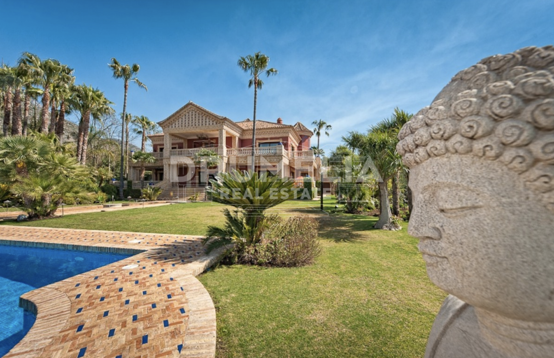 Marbella Golden Mile, Majestic Villa in Sierra Blanca