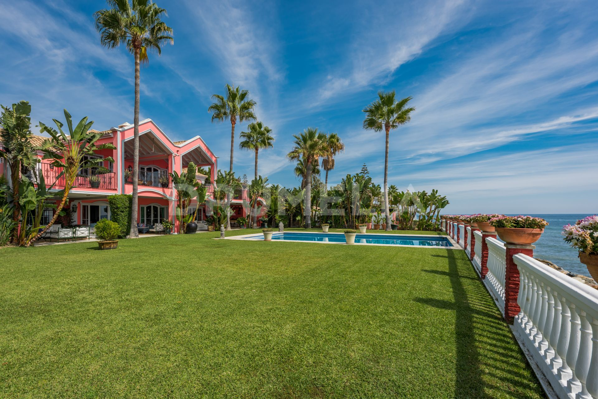 Estepona, Elegant Beachfront Colonial Style High- End Villa in Casasola, Estepona