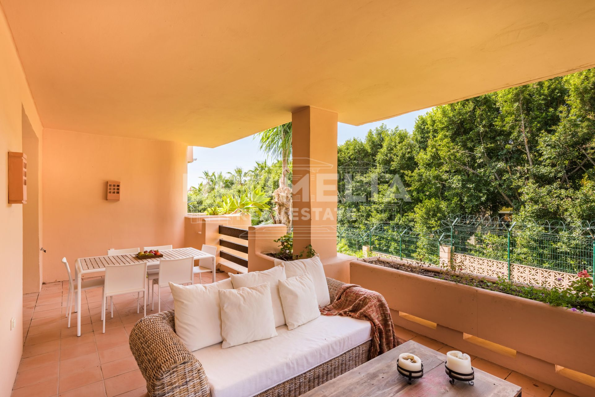 Marbella Golden Mile, Elegant Apartment for Rent or Sale in Mansion Club