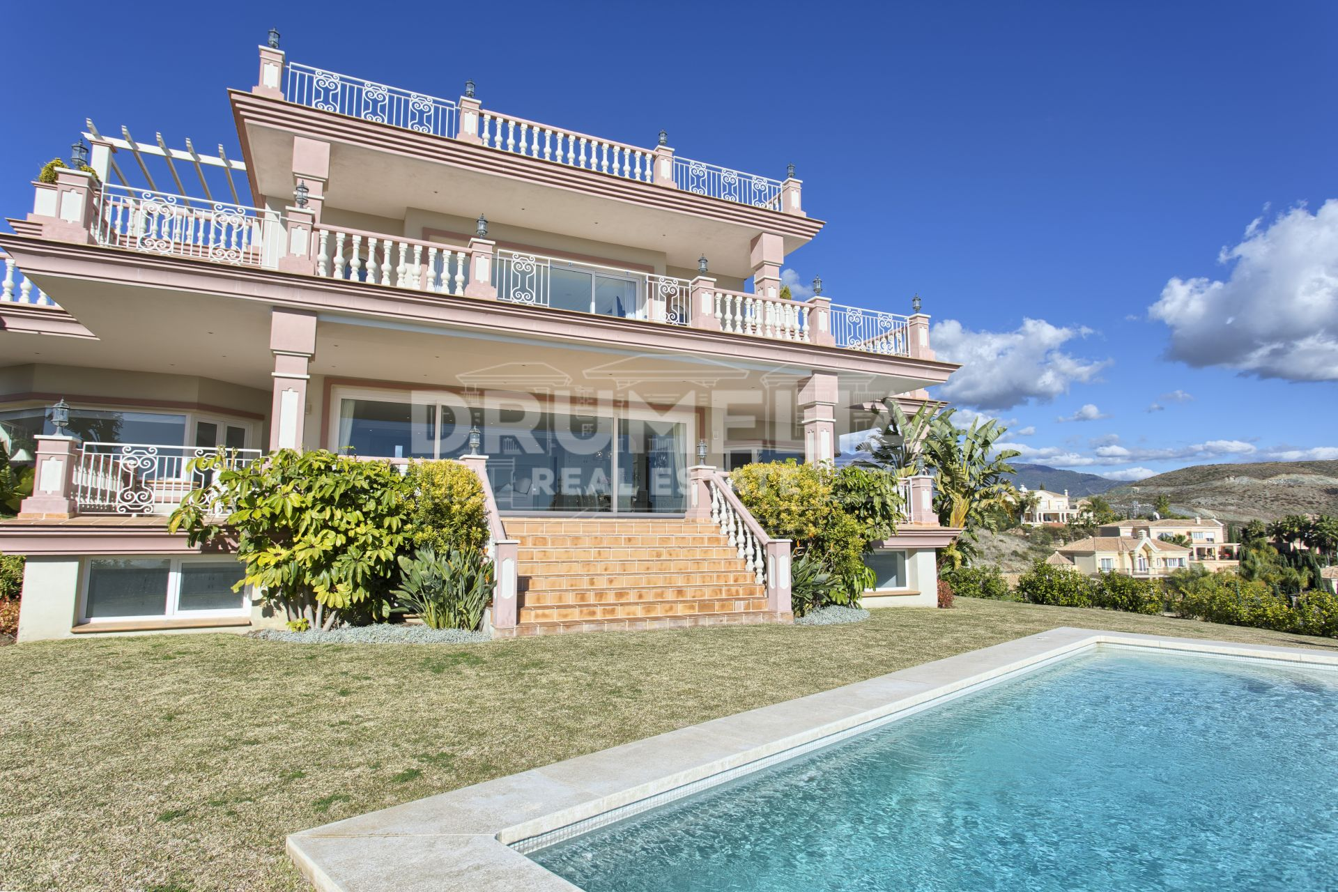 Benahavis, Remarkable New Villa in Los Flamingos Golf, Benahavis