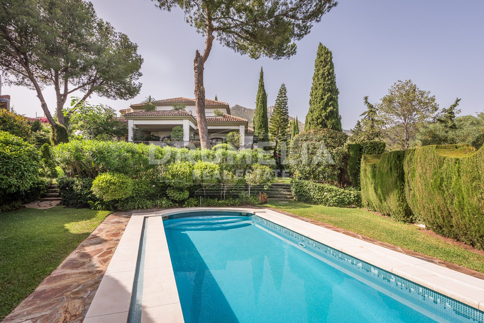Marbella Golden Mile, Imposing Villa in Cascada de Camojan, Marbella Golden Mile