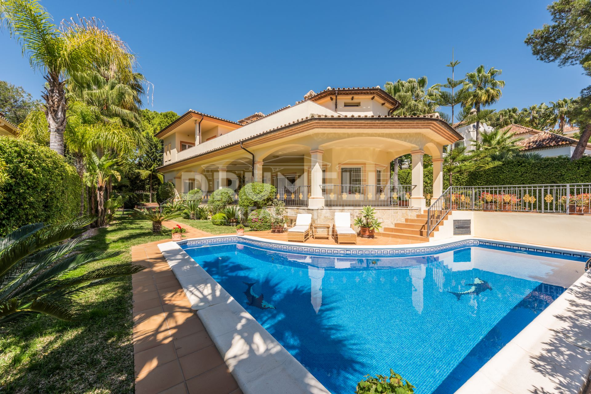 Marbella Golden Mile, Delightful Mediterranean Villa in Altos Reales