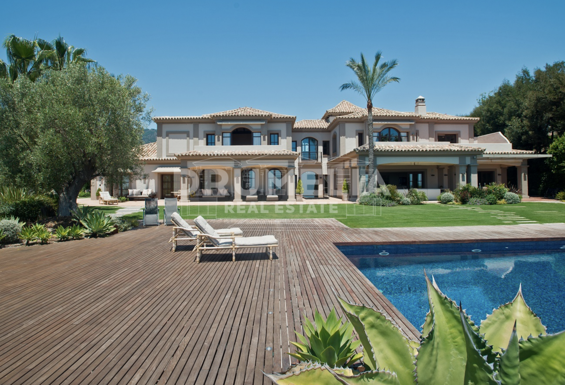 Benahavis, Stunning Classic Mediterranean Mansion with Views in Zagaleta, Benahavis.