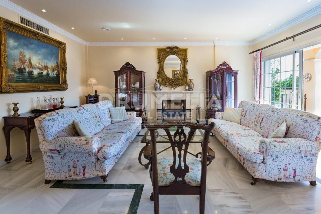 Marbella, Excellent Semi Detached Villa, El Mirador, Marbella (Marbella)