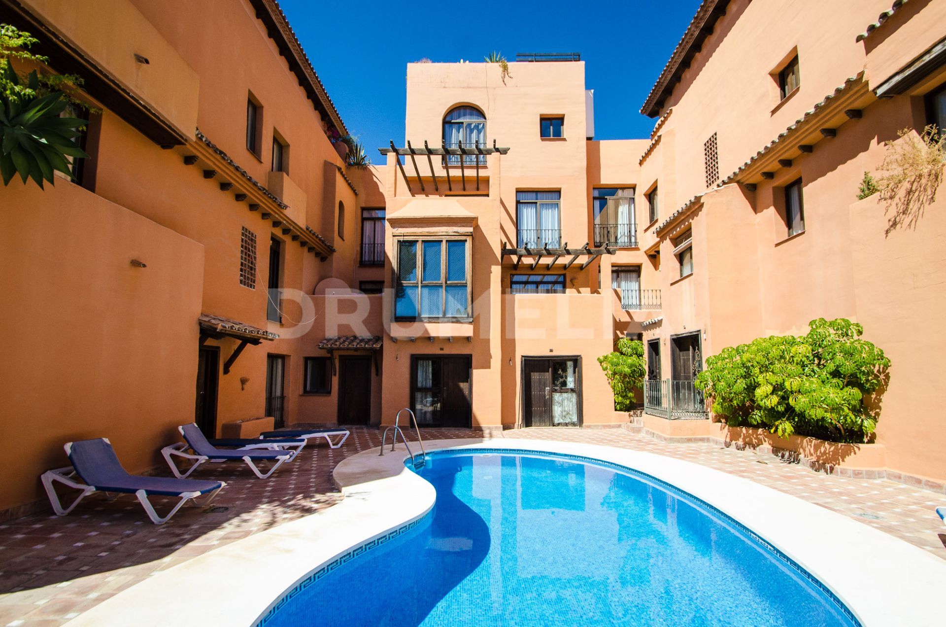 Estepona, Excellent Apartment in Cancelada, Estepona
