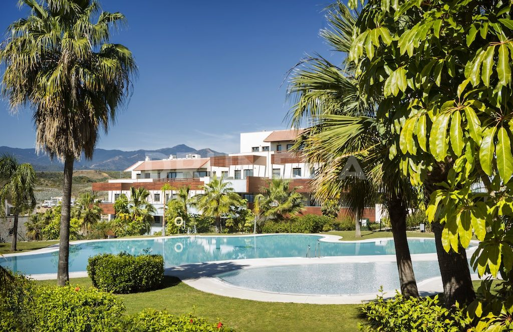 Benahavis, Superb Apartment in Hoyo 19, Los Flamingos Golf Resort, Benahavis