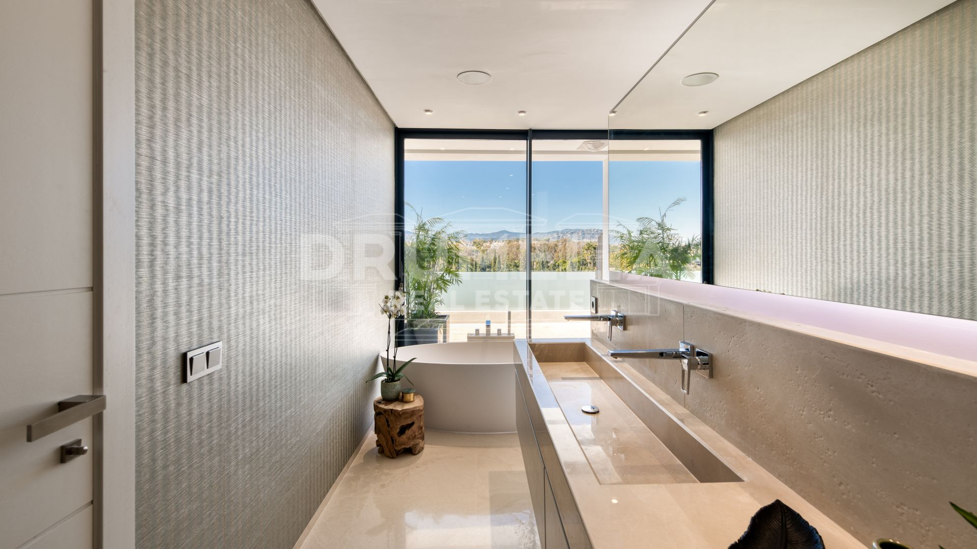 Marbella Golden Mile, New Elegant Modern Luxury Villa, Altos de Puente Romano, Marbella Golden Mile