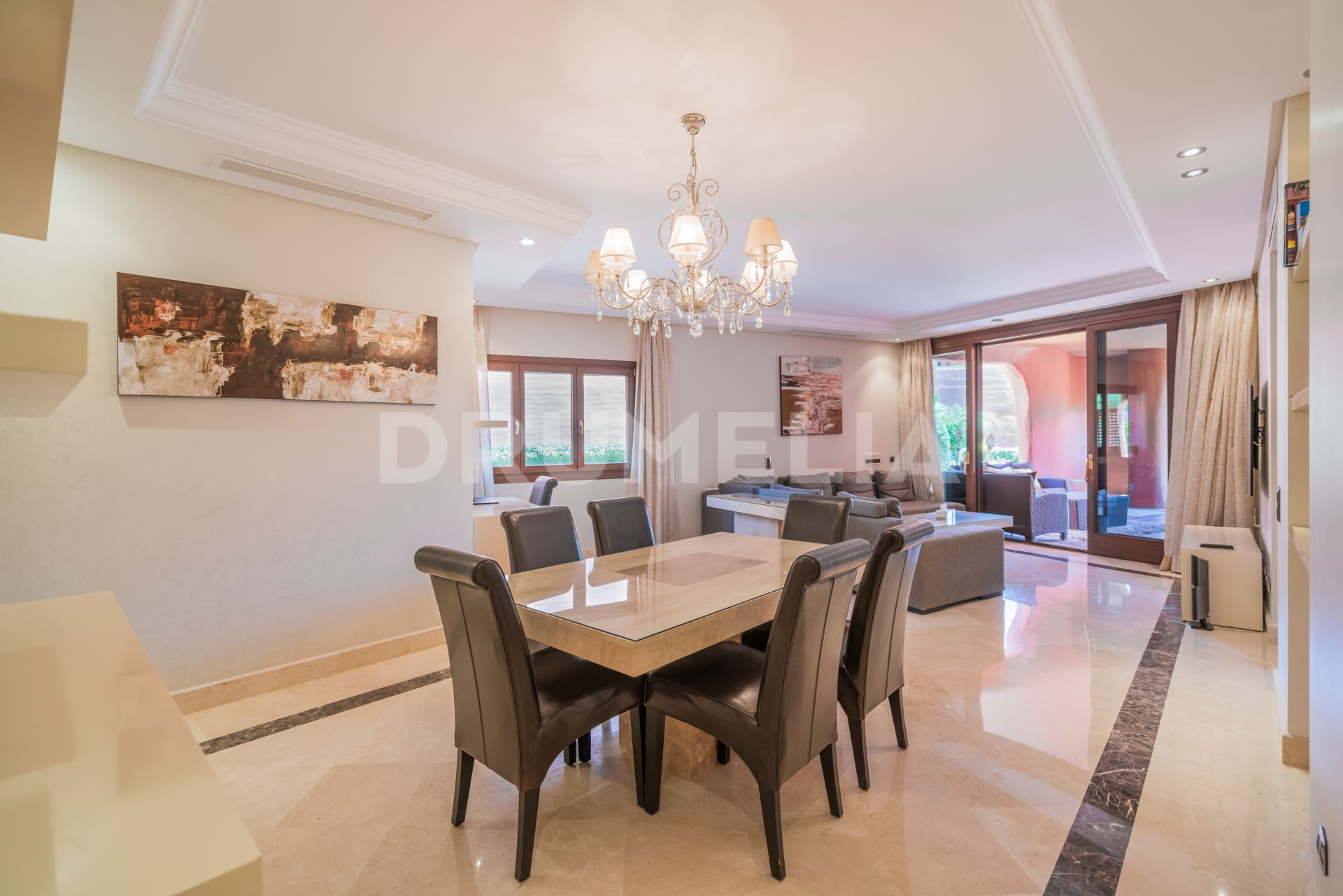Estepona, Elegant Ground Floor Apartment at the Sea, Torre Bermeja, Estepona