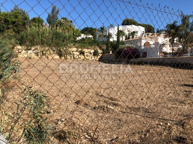 Benahavis, Plot for sale in El Paraiso Alto