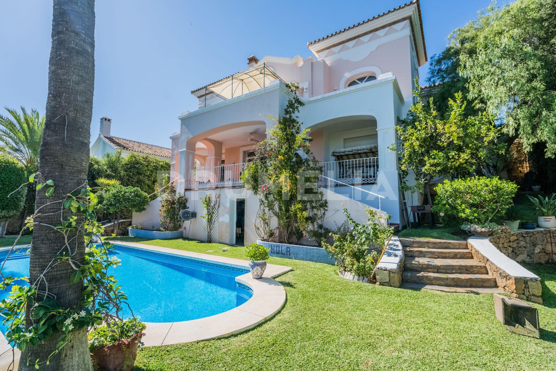 Delightful and Elegant Luxury Mediterranean Villa, El Rosario ...