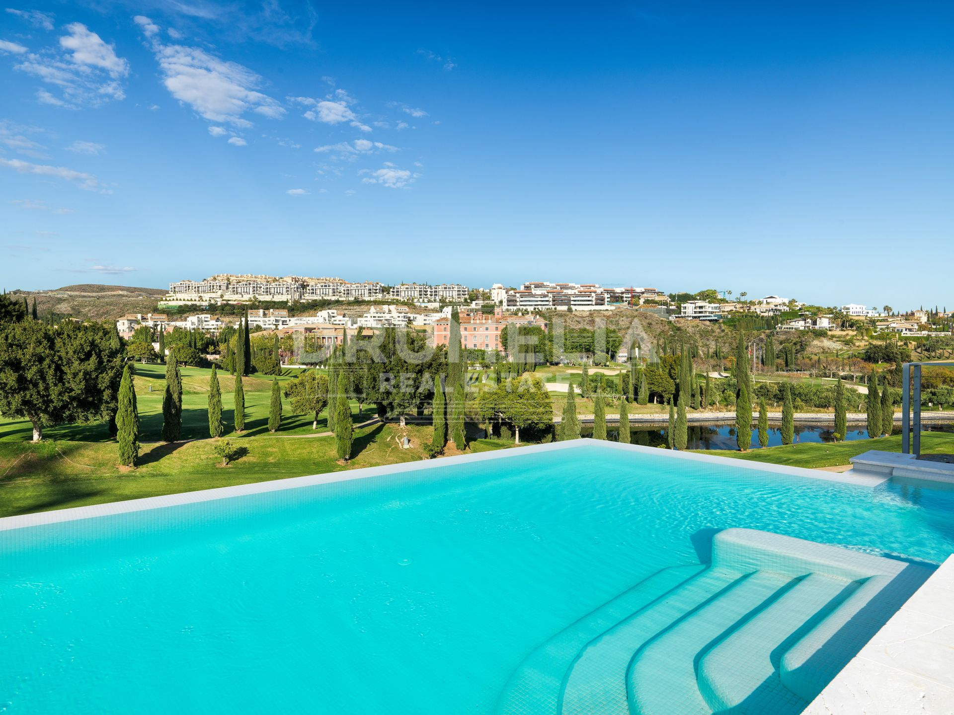 Benahavis, Exceptional Brand-New Exclusive Frontline Golf Contemporary Style Luxury Villa Los Flamingos, Benahavis