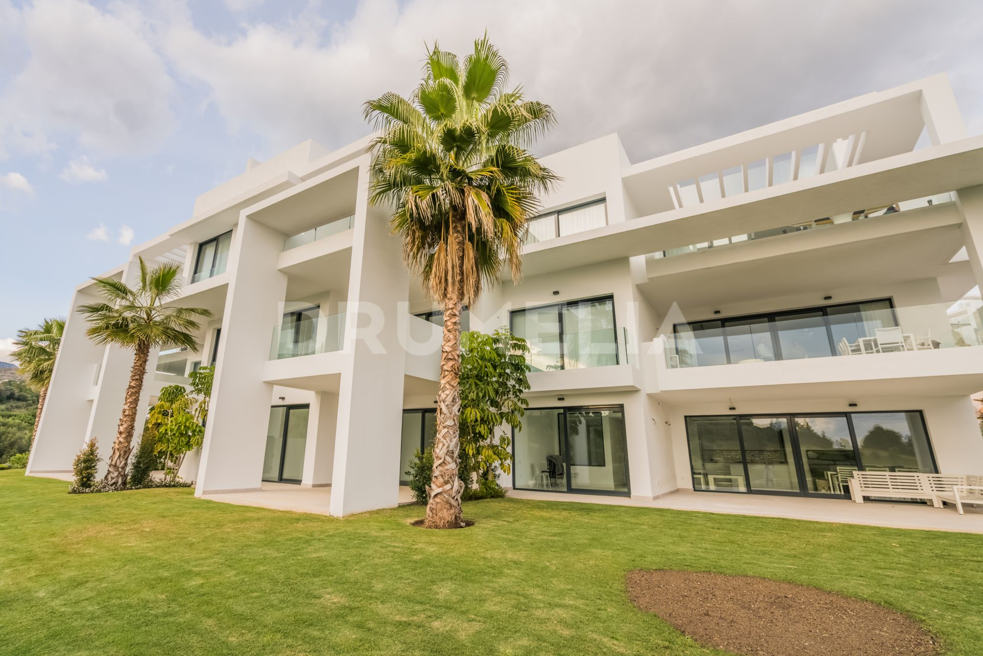 Benahavis, New Remarkable Modern Ground Floor Apartment, Frontline Golf Atalaya Hills