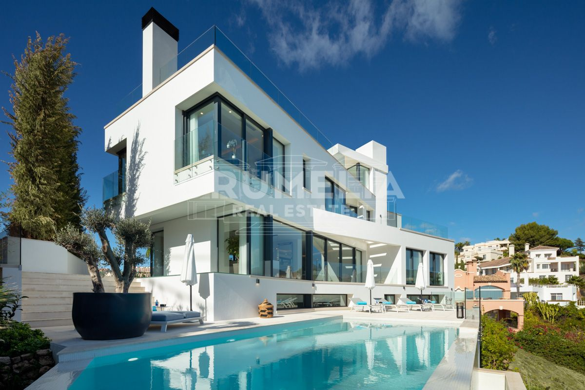 Benahavis,  Contemporary Style High-End Villa with Panoramic Views, La Quinta, Benahavis