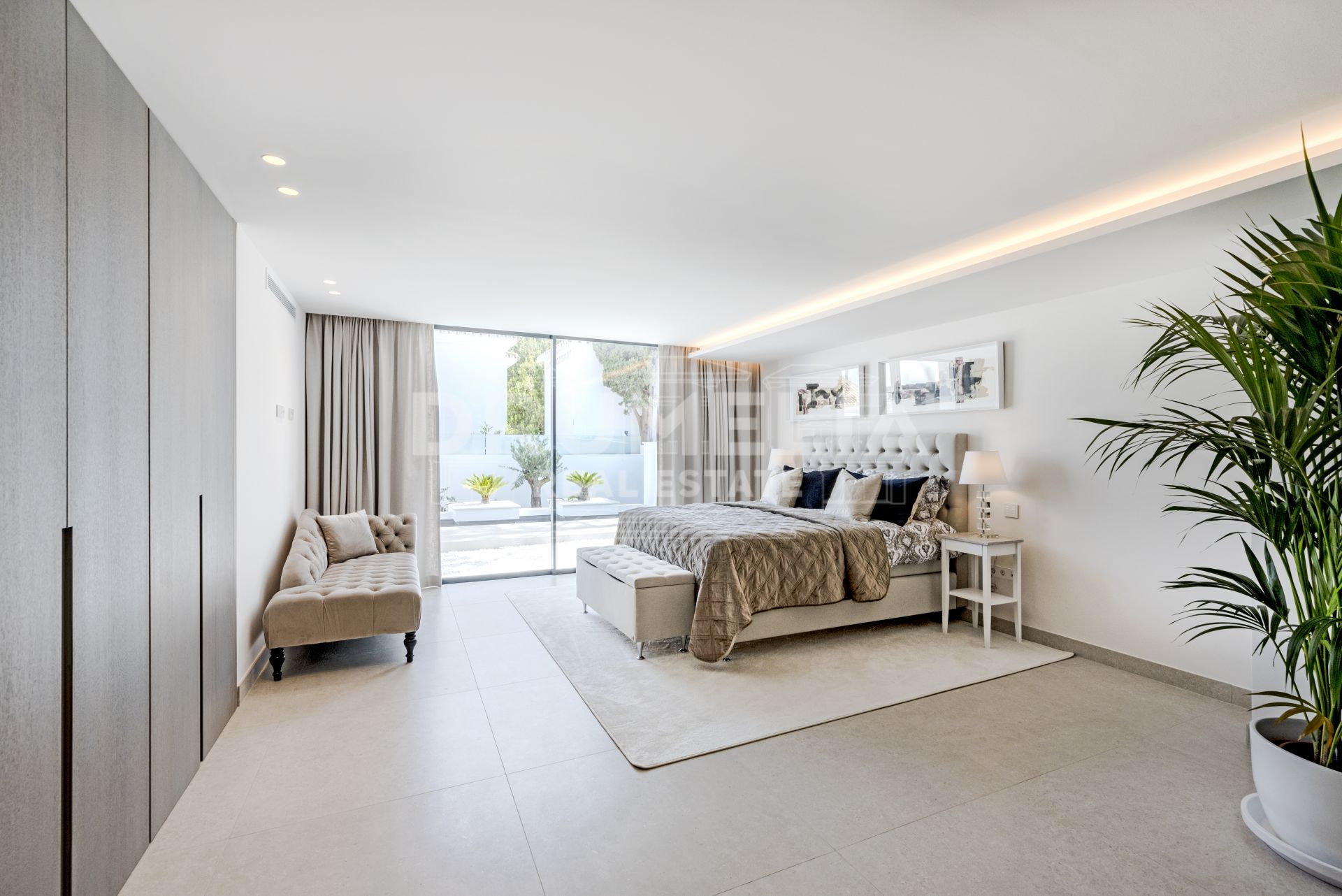 Nueva Andalucia, New Frontline Golf State-of-the-art Modern Villa, Aloha Golf Club, Nueva Andalucía, Marbella