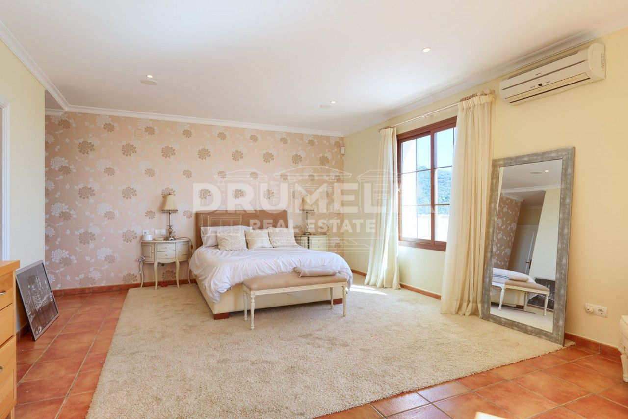 Benahavis, Elegant Classical Style Mediterranean Luxury Villa, Monte Mayor, Benahavis