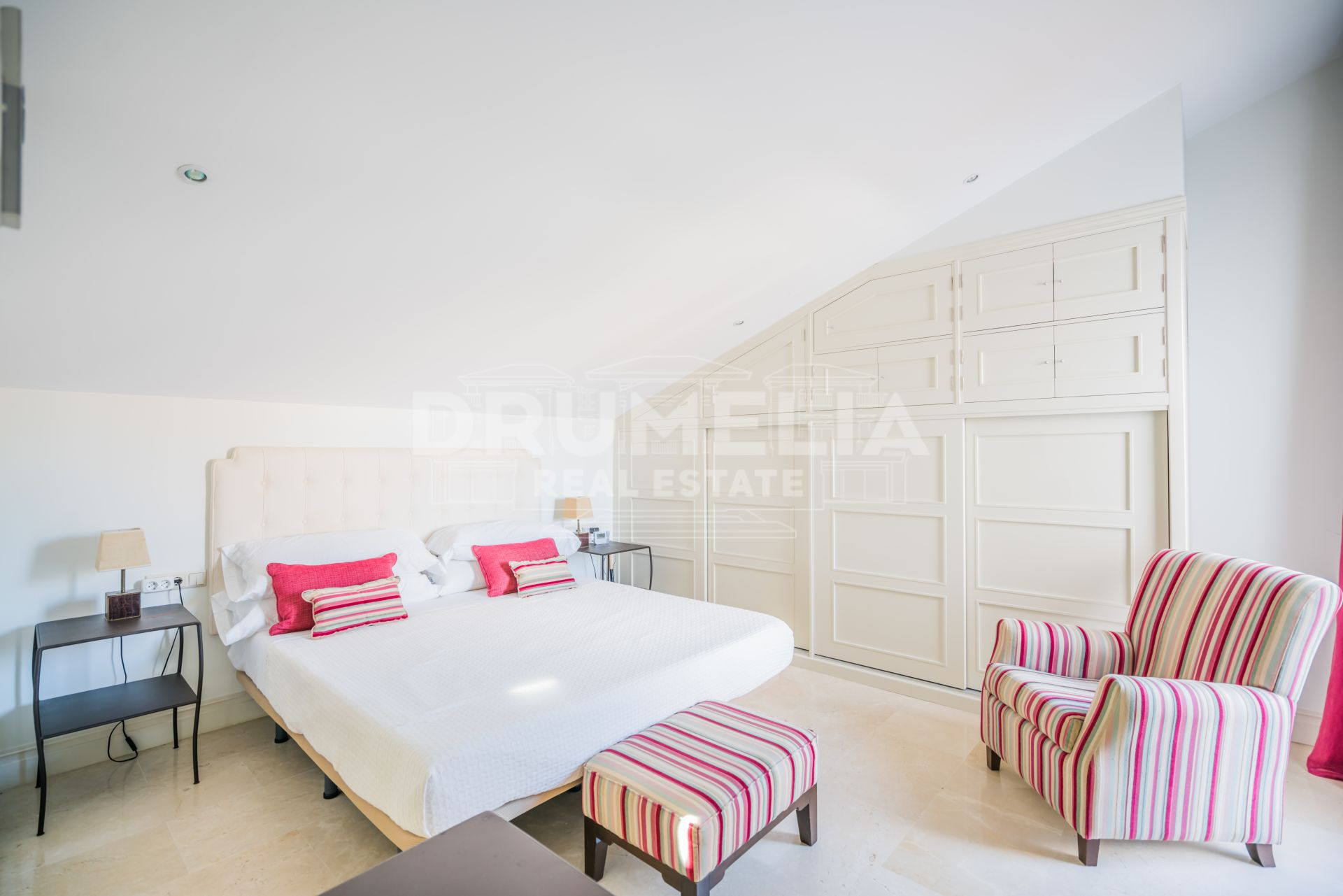 Marbella Golden Mile, Attractive Duplex Penthouse, Las Cañas Beach, Marbella Golden Mile