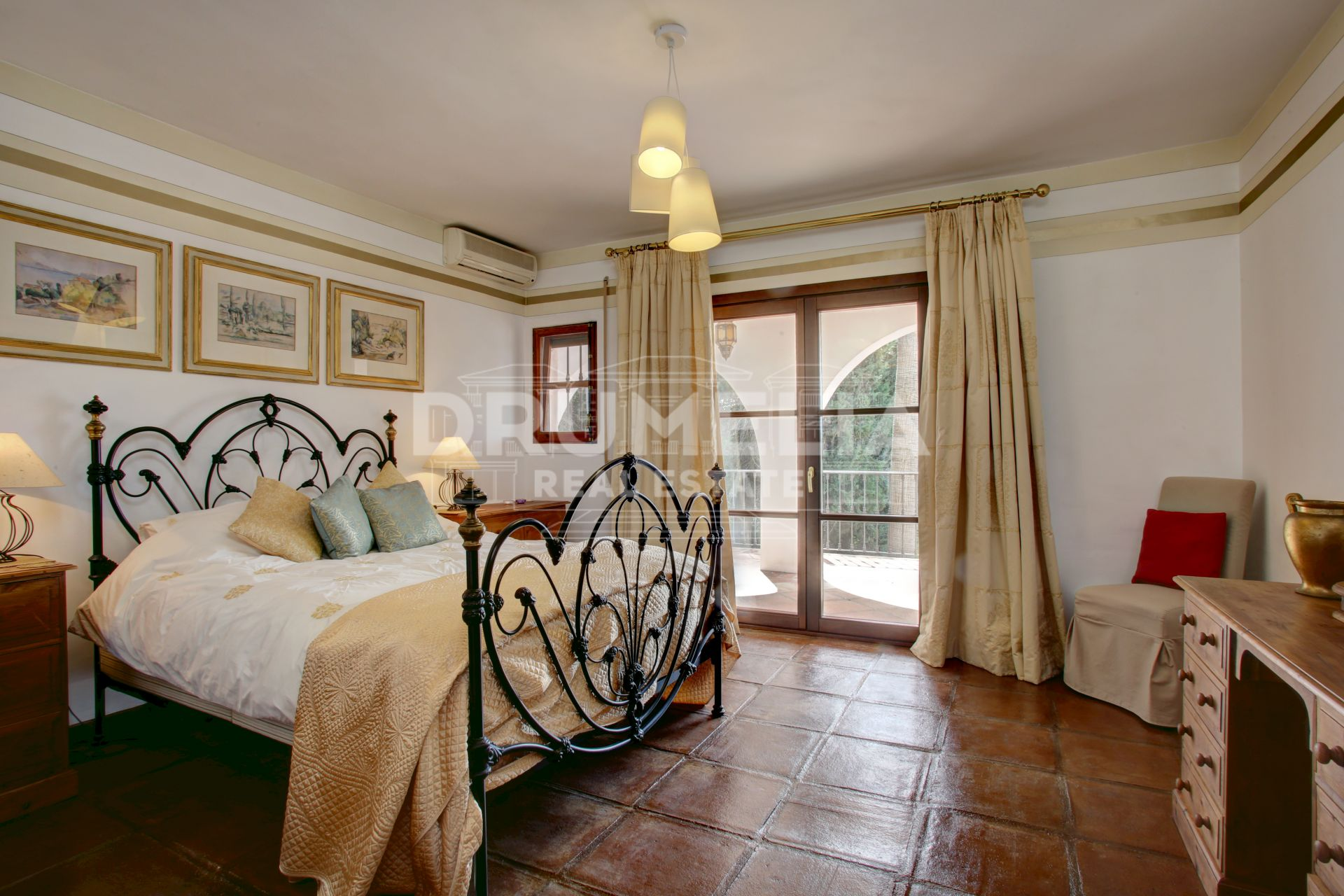 Marbella Golden Mile, Elegant Luxury Mediterranean Villa, La Carolina, Marbella Golden Mile