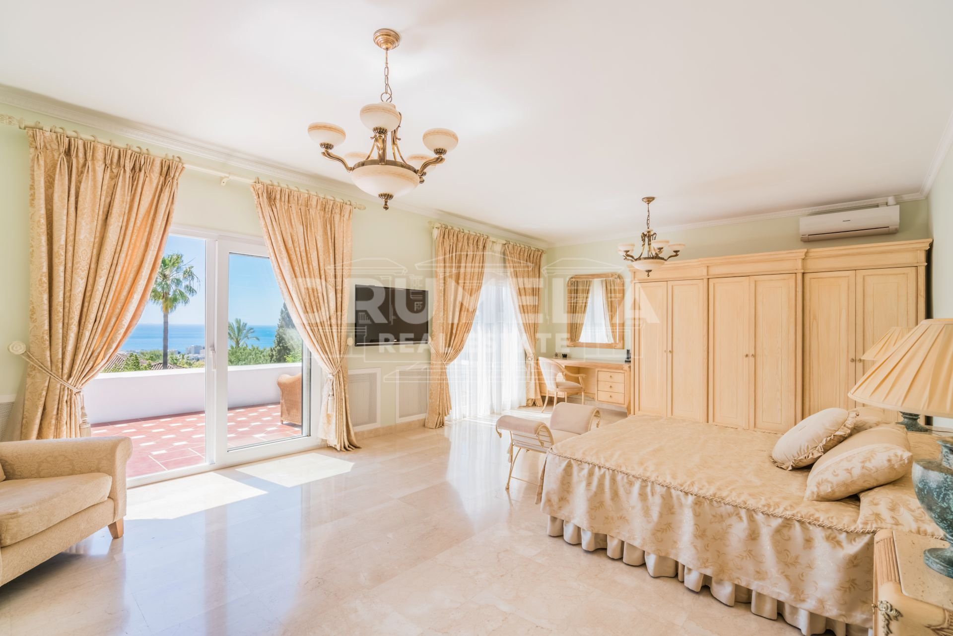Marbella Golden Mile, Elegant Luxury Villa, Sierra Blanca area, Marbella Golden Mile