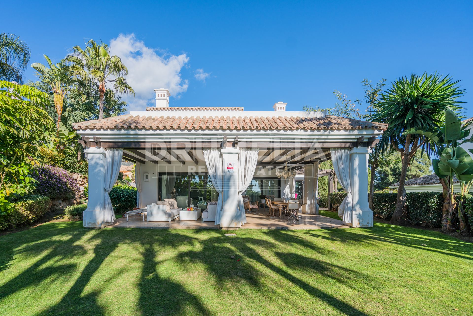 Marbella Golden Mile, Magnificent Mediterranean Villa in Las Lomas del Marbella Club, Golden Mile
