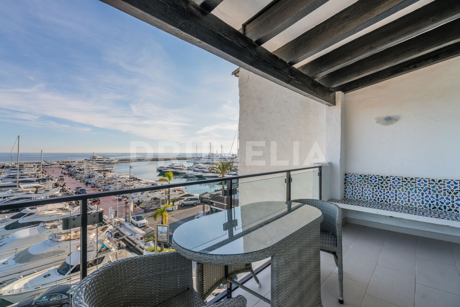 Marbella - Puerto Banus, Chic and Classy Frontline Beach Apartment in Puerto Banus, Marbella