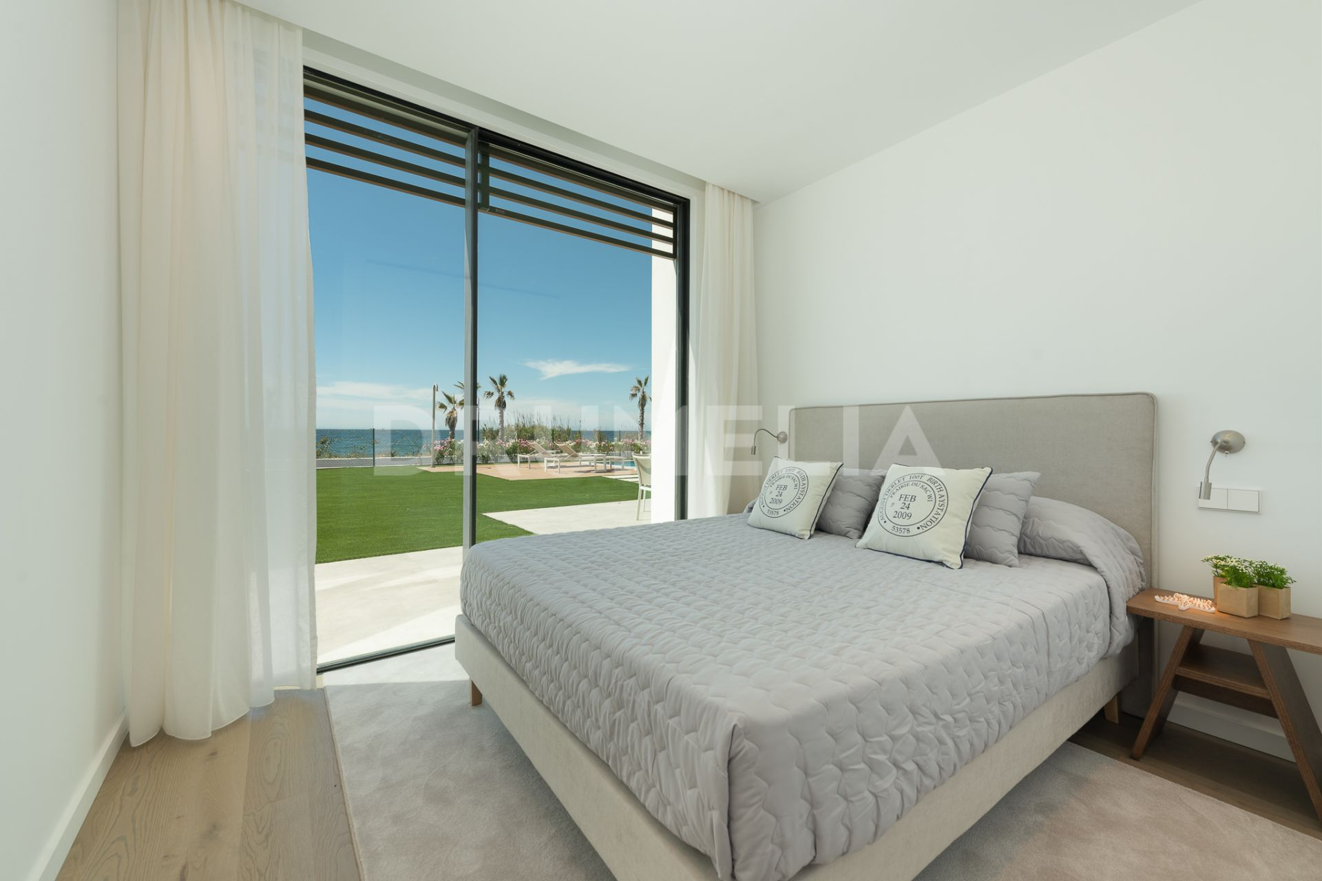 Villa in New Golden Mile, Estepona