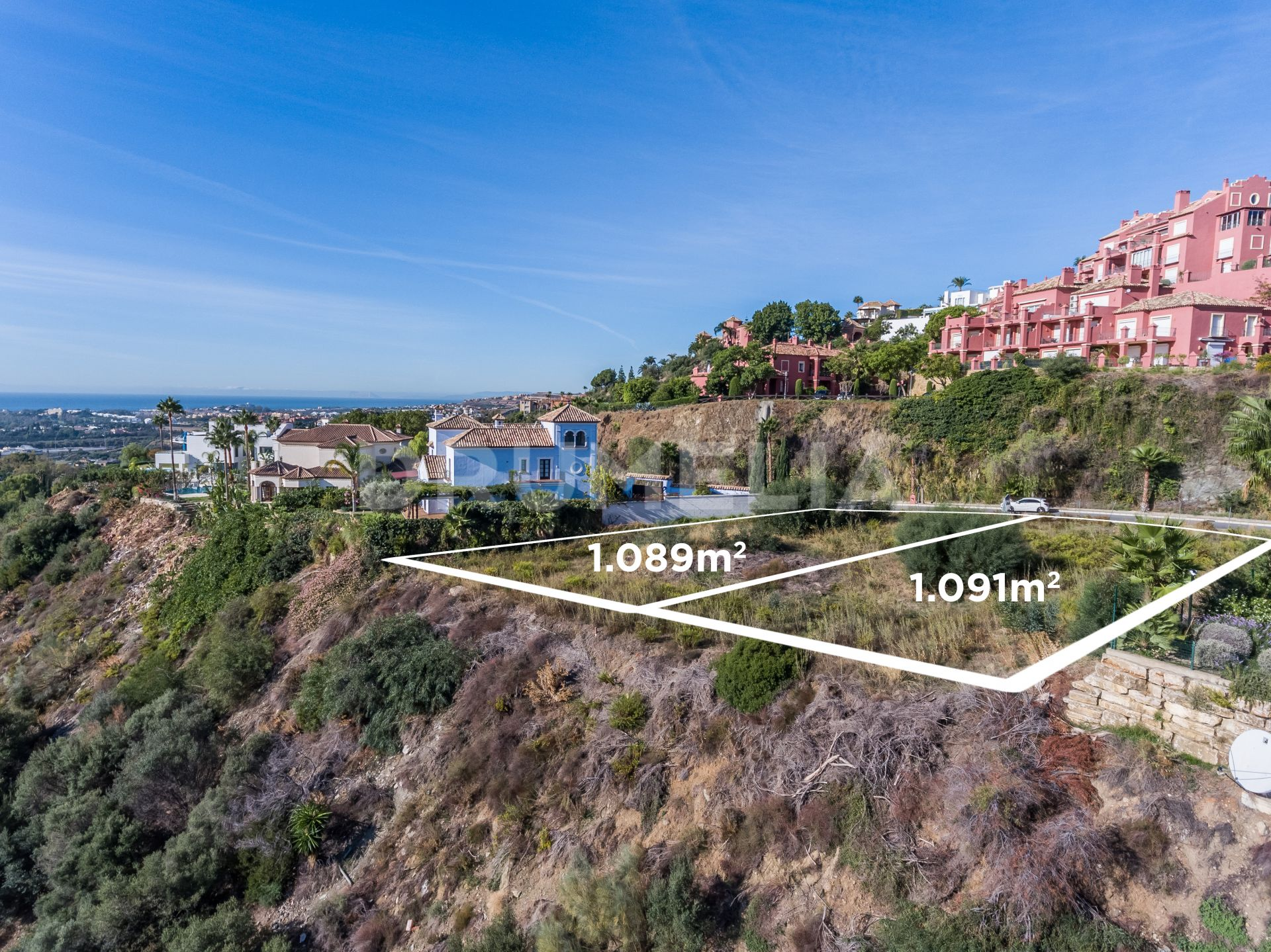 Plot for sale in Monte Halcones, Benahavis