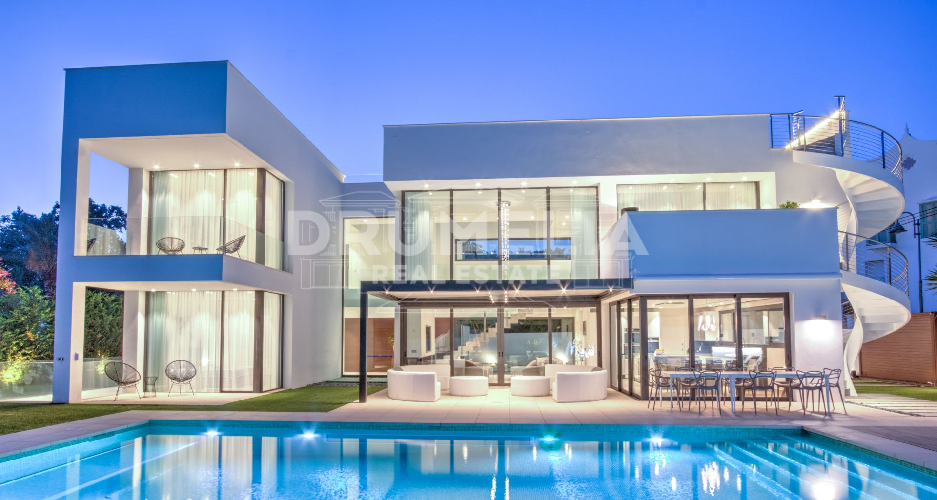 Marbella - Puerto Banus, Exceptional New Modern Luxury Villa in Puerto Banus, Marbella.