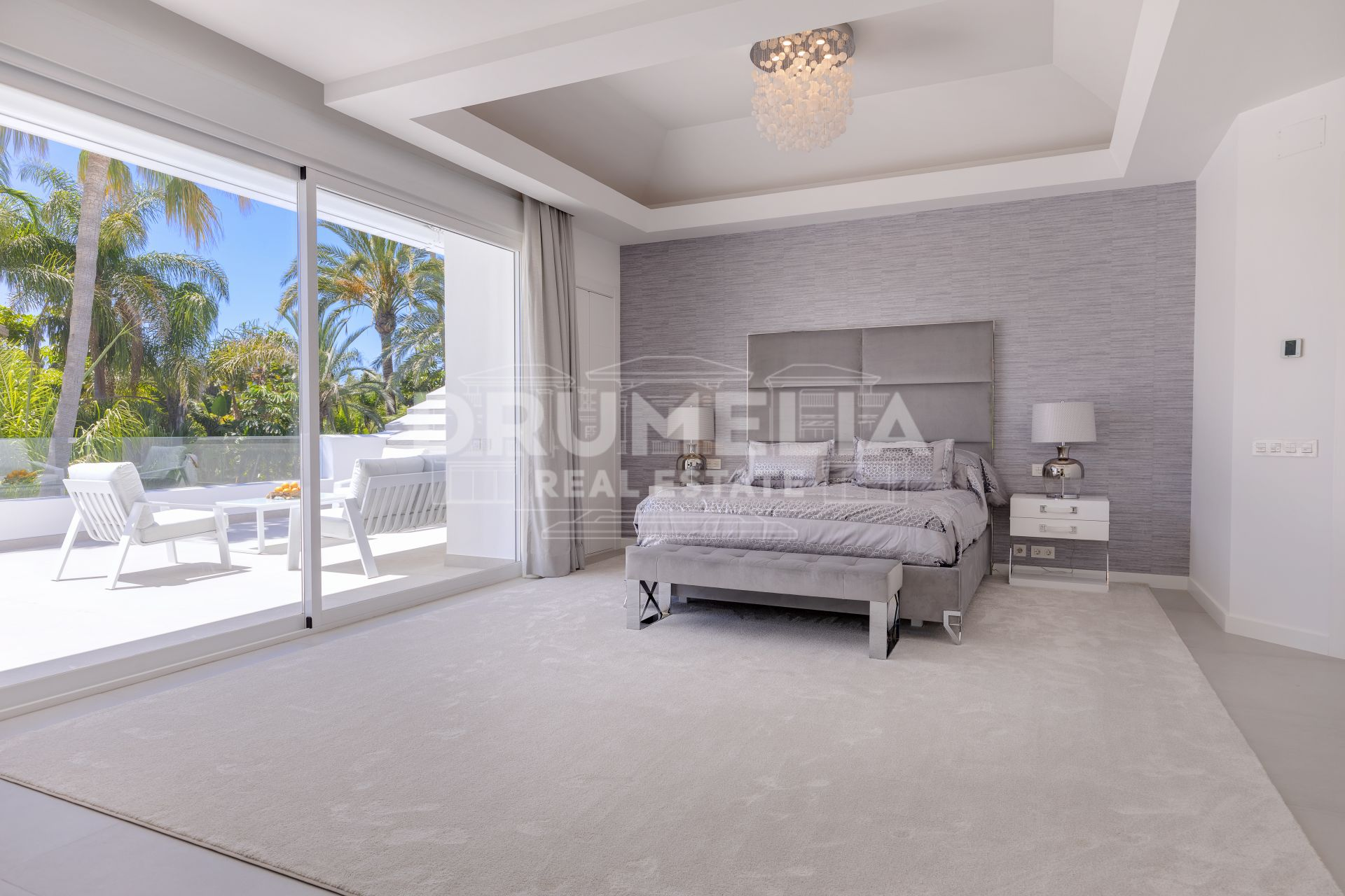 San Pedro de Alcantara, Fabulous villa located in a prestigious part of Guadalmina Baja, Marbella