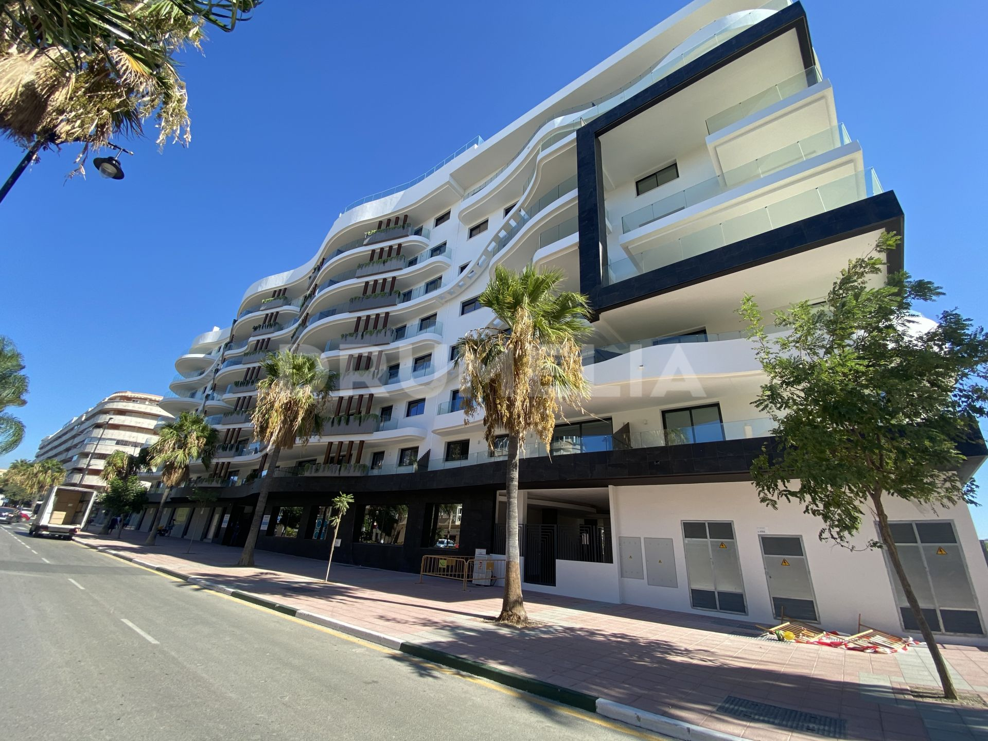Estepona, New Built Contemporary Apartment in Estepona Center