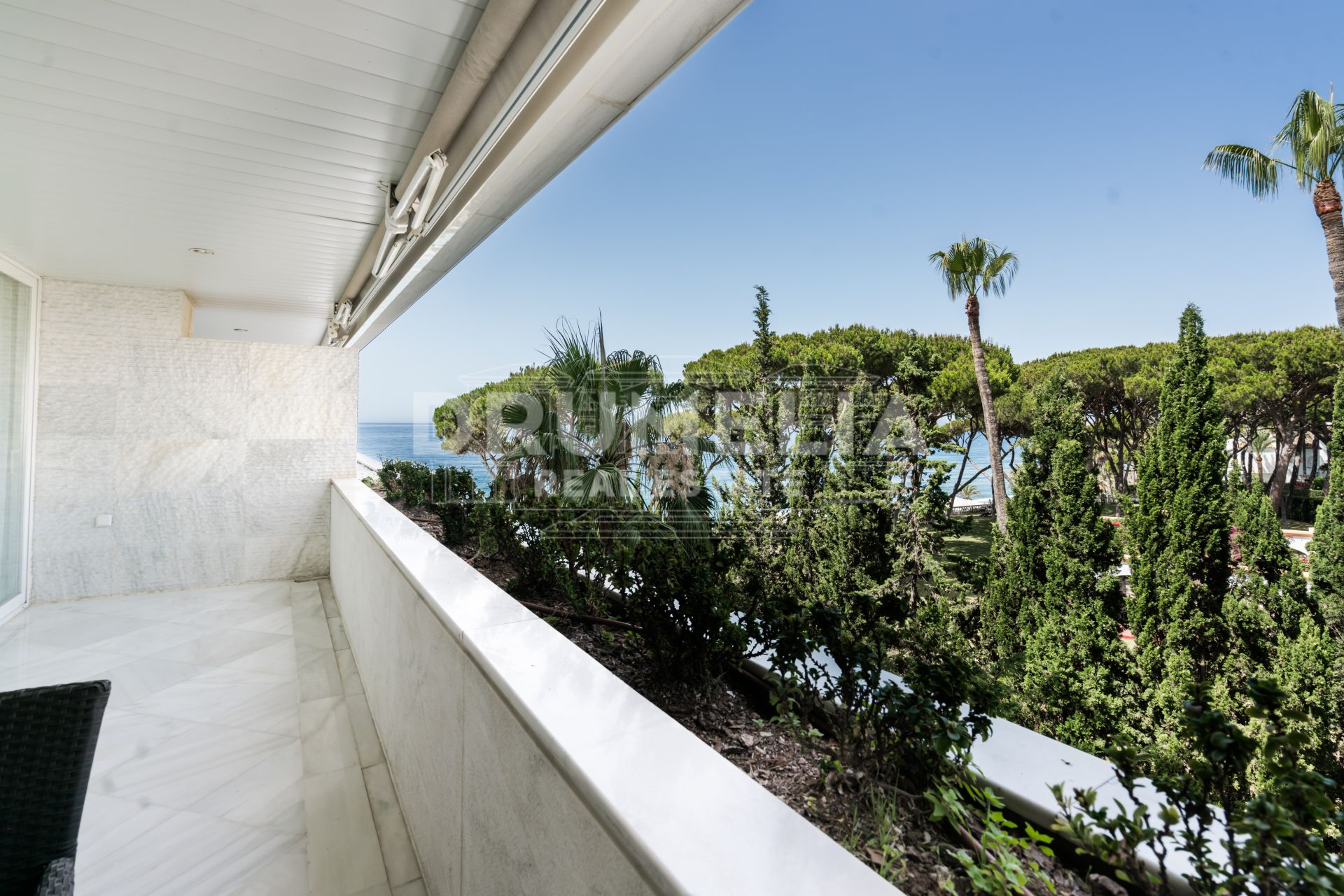 Marbella Golden Mile,  Delightful Modern Seafront Apartment, Marina Mariola, Golden Mile