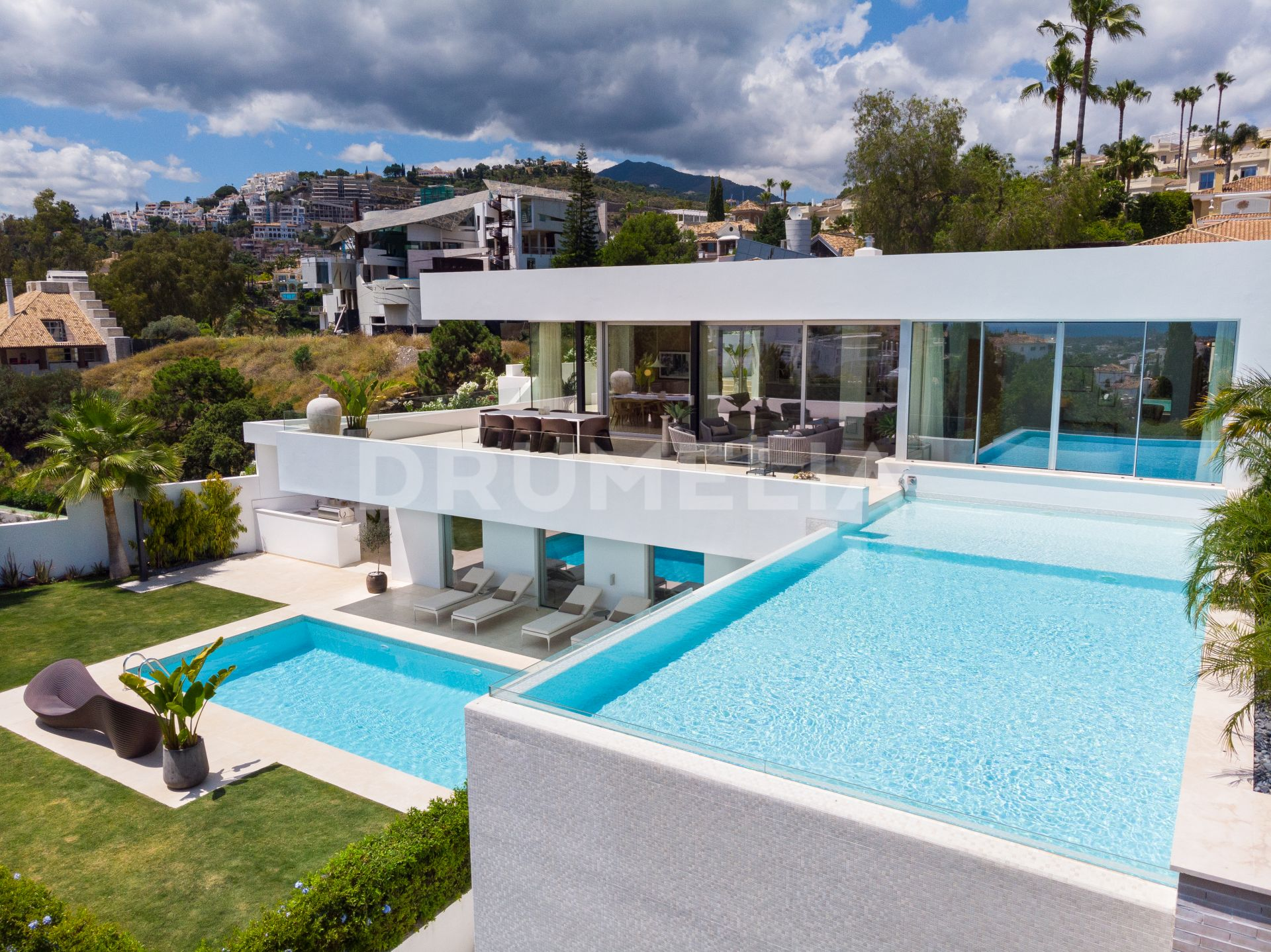 Benahavis, Brand-new Impeccable Modern Villa in La Quinta