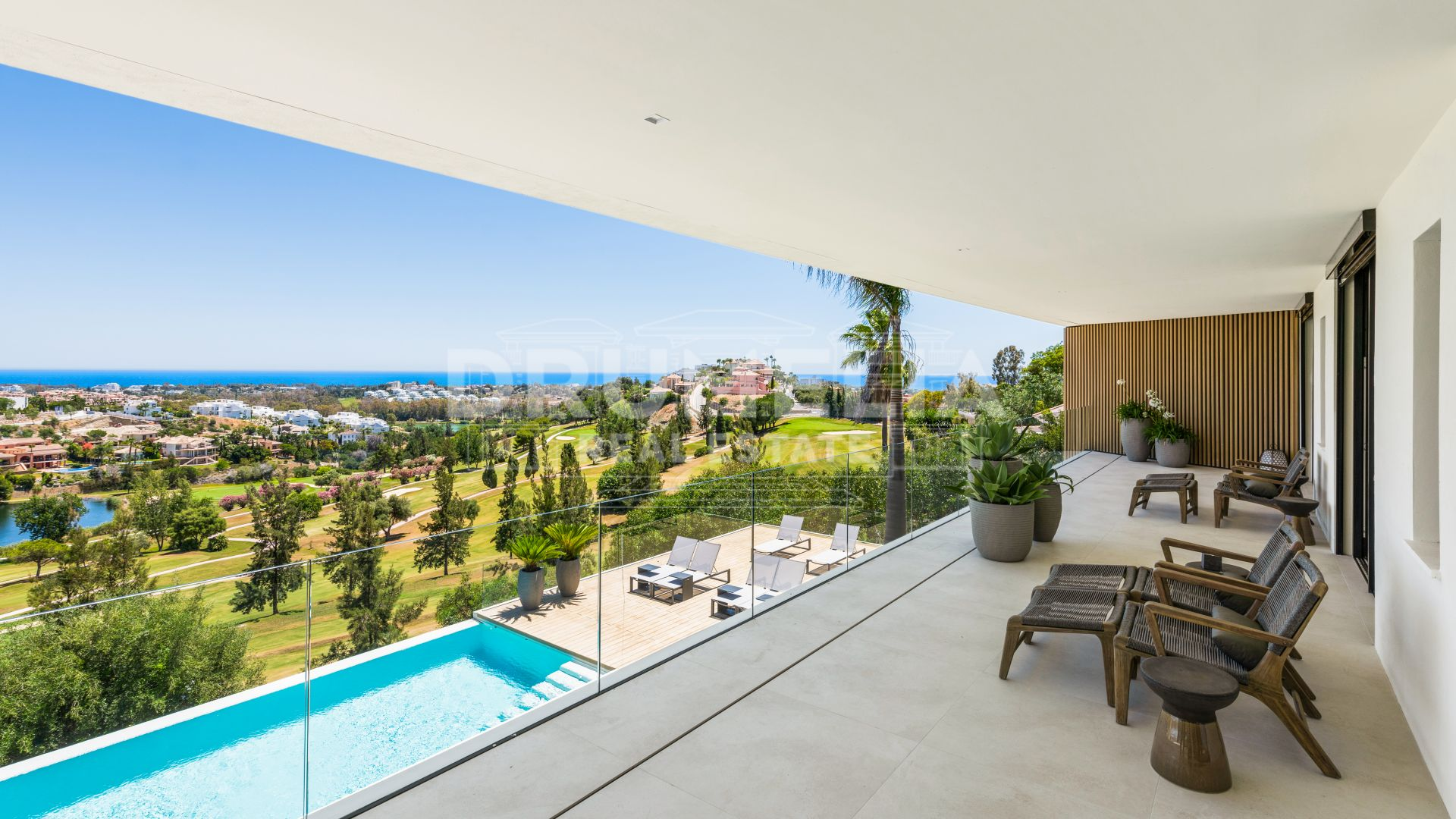 Benahavis, Luminous Contemporary Villa in la Alqueria, Benahavis