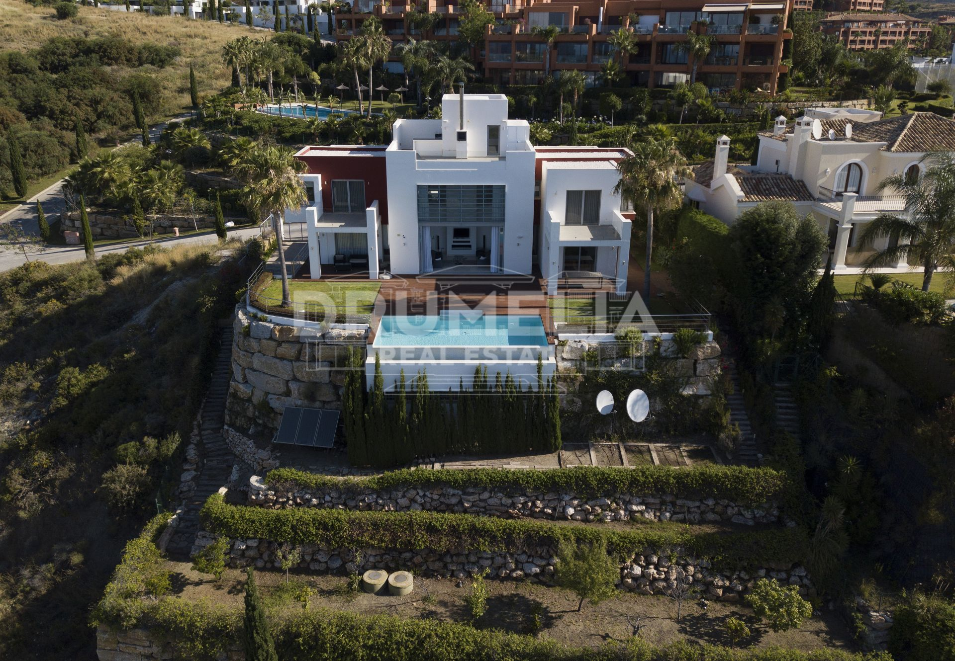 Benahavis, Contemporary Luxury Villa With Sea Views in Los Flamingos Golf