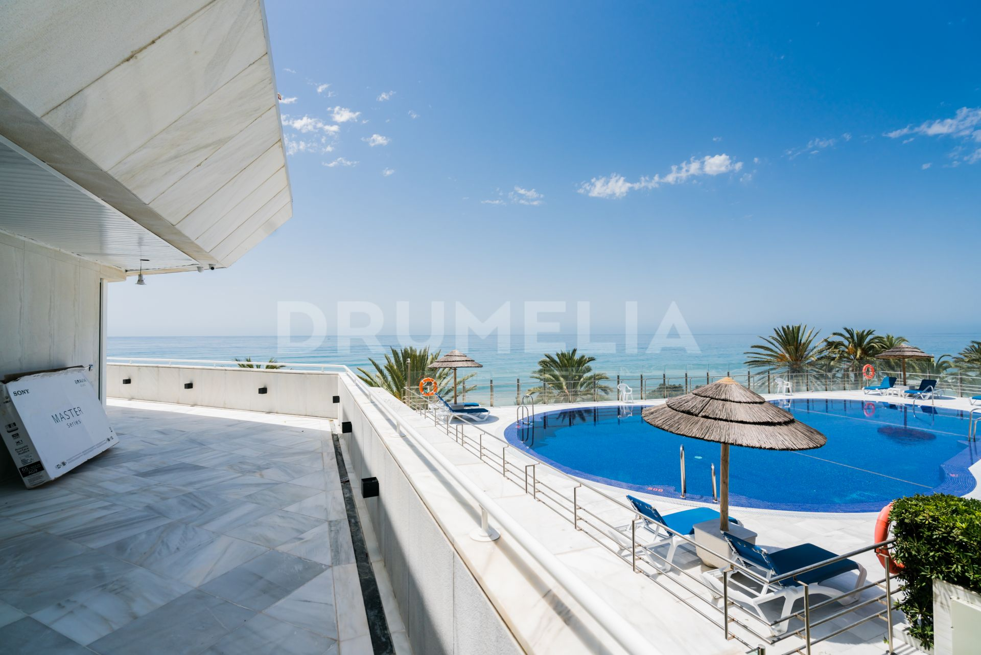 Marbella, Elevated Ground floor Apartment for sale in Mare Nostrum, Marbella
