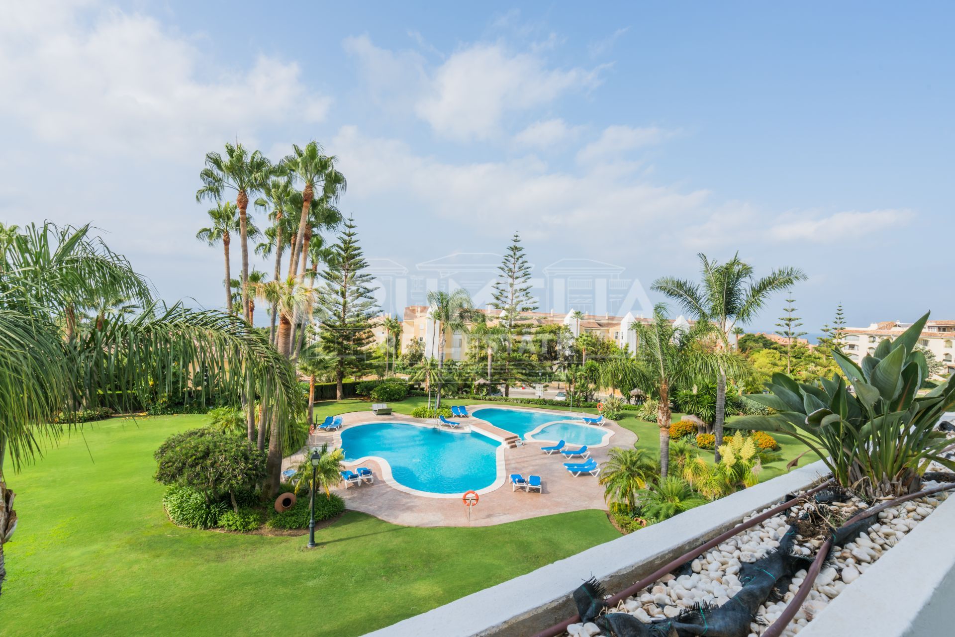Marbella East, Duplex Penthouse with Panoramic Sea Views in Bahía de Marbella