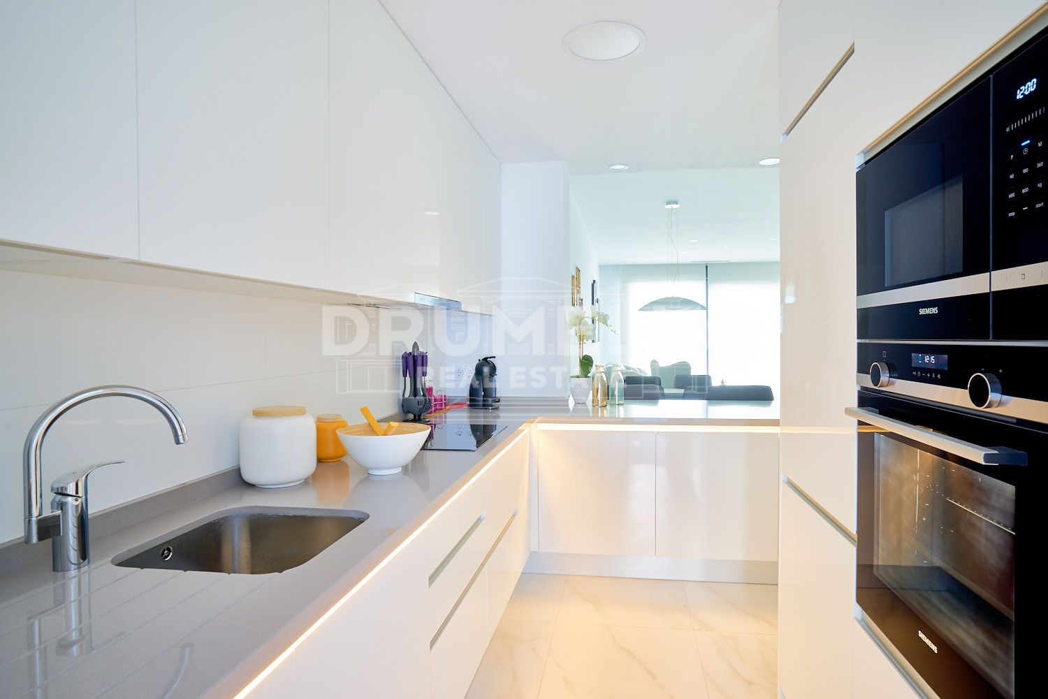 Estepona, Fabulous New Modern Apartment, Cancelada, Estepona