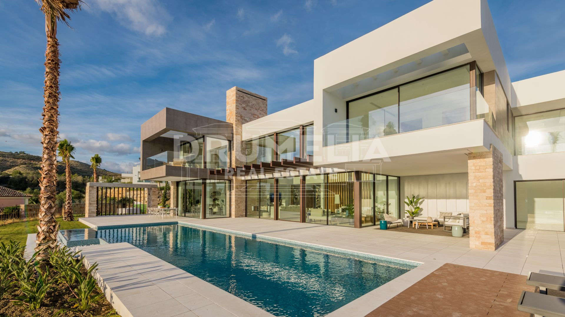 Benahavis, Brand-New Stunning, Chic Contemporary Style Luxury Villa in La Alqueria, Benahavis