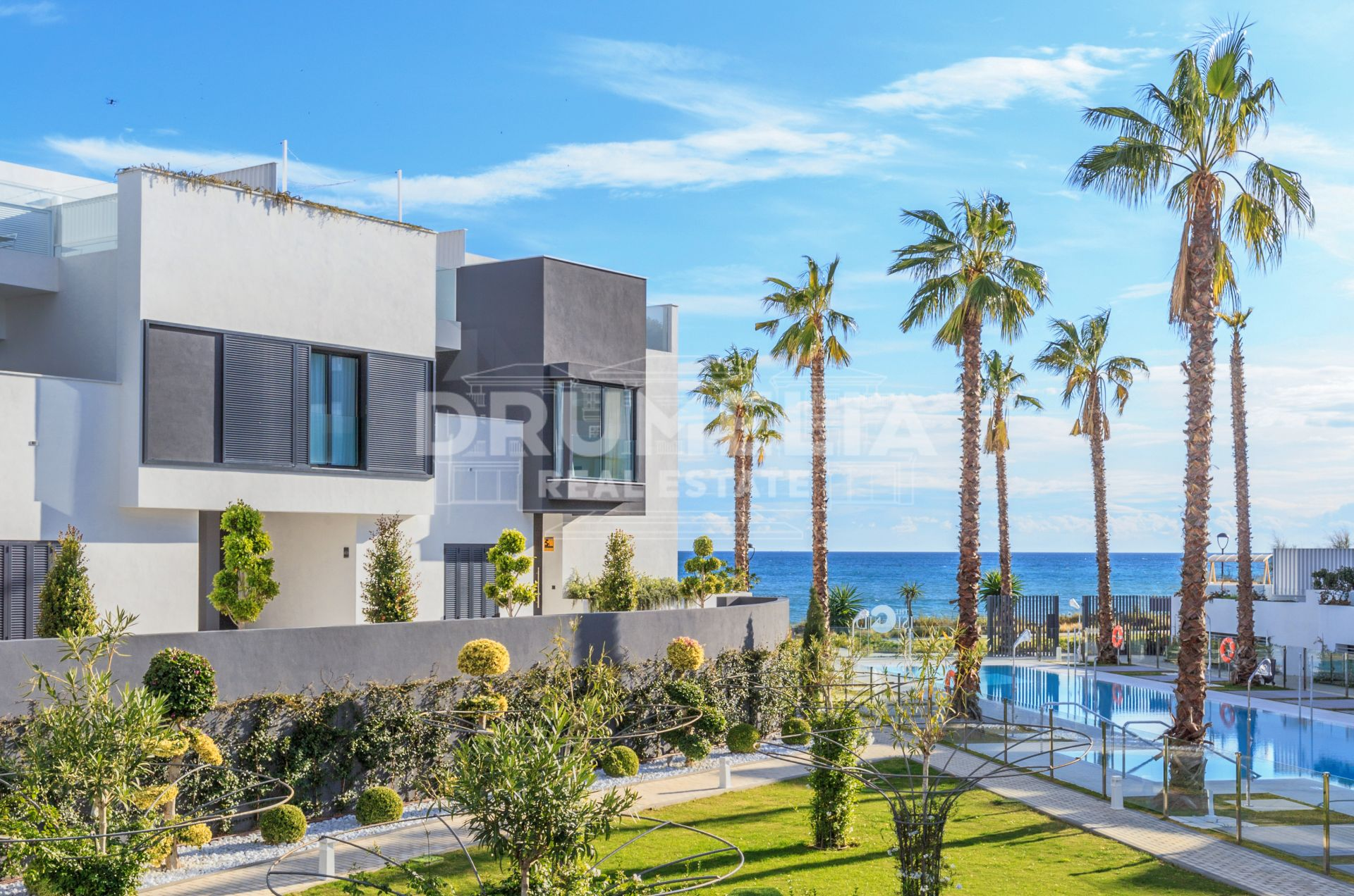 Estepona, Impressive Frontline Beach Contemporary Luxury Villa, Estepona Playa