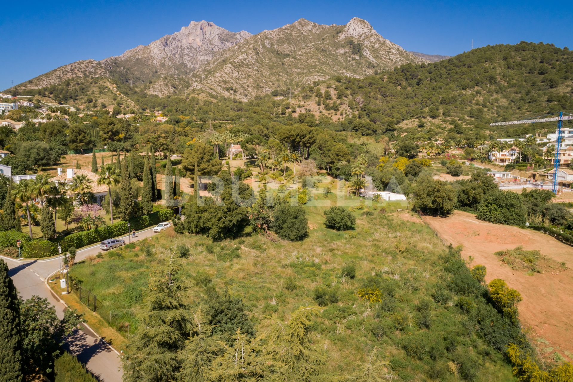 Marbella Golden Mile, Huge Level Plot with Sea Views, Project and License, Cascada de Camojan
