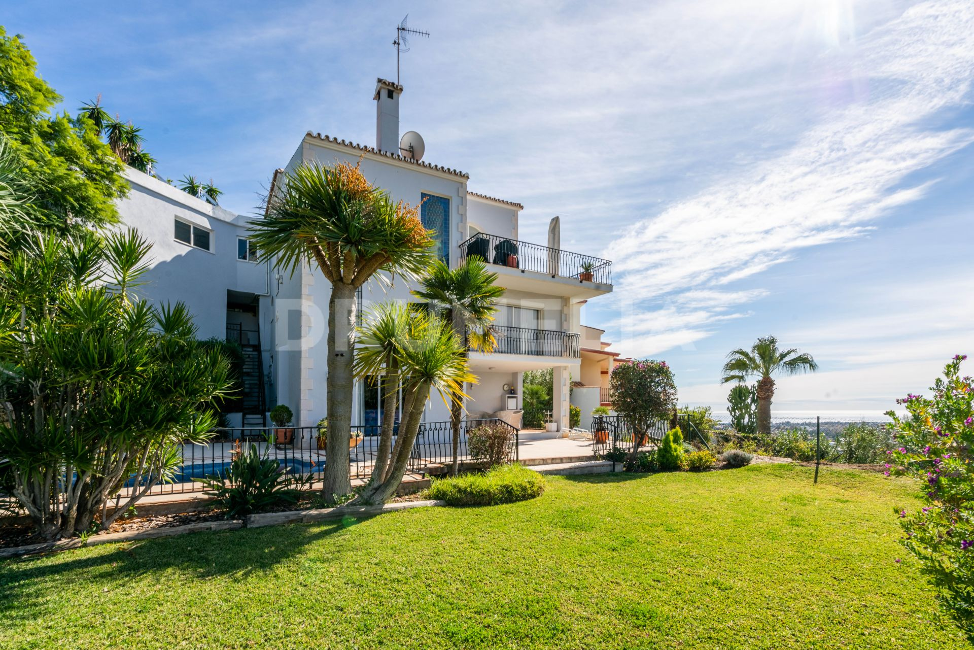 Benahavis, Beautiful Modern Mediterranean Villa with Stunning Views, El Herrojo, Benahavis