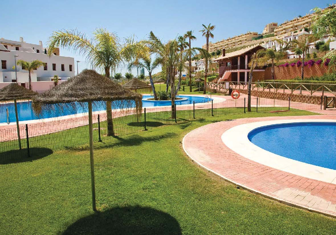 2 bedroom apartment for sale next to golf in Mijas Costa