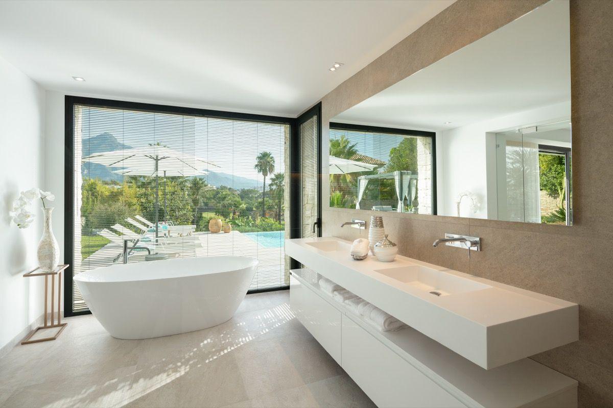 Villa  in Las Brisas, Nueva Andalucia, Marbella