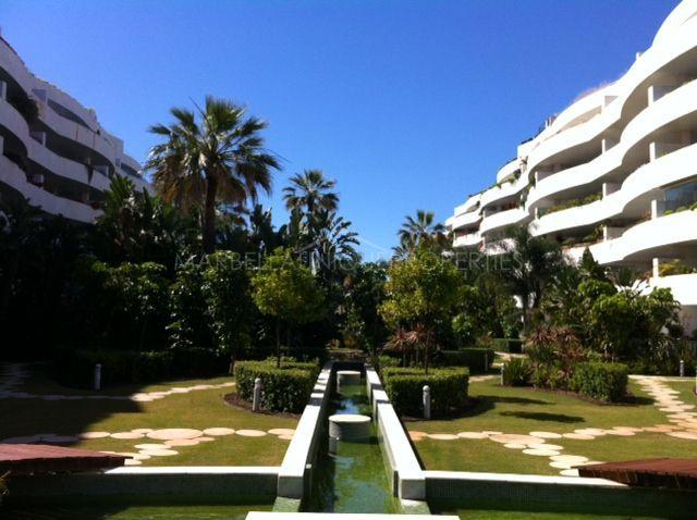 Luxury Apartment Near The Beach And Puerto Banus