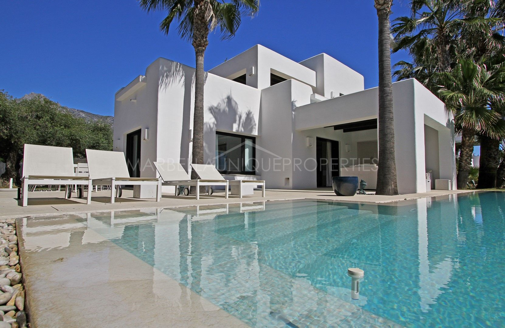 Luxury Ibiza Style Villa In Altos De Puente Romano
