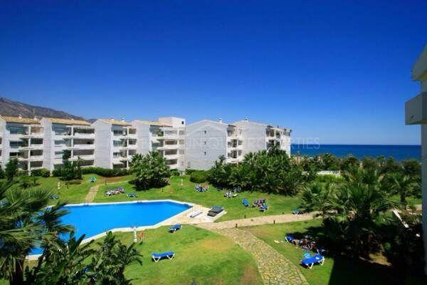 Properties for sale in playa rocio marbella puerto banus for Jardines del puerto puerto banus