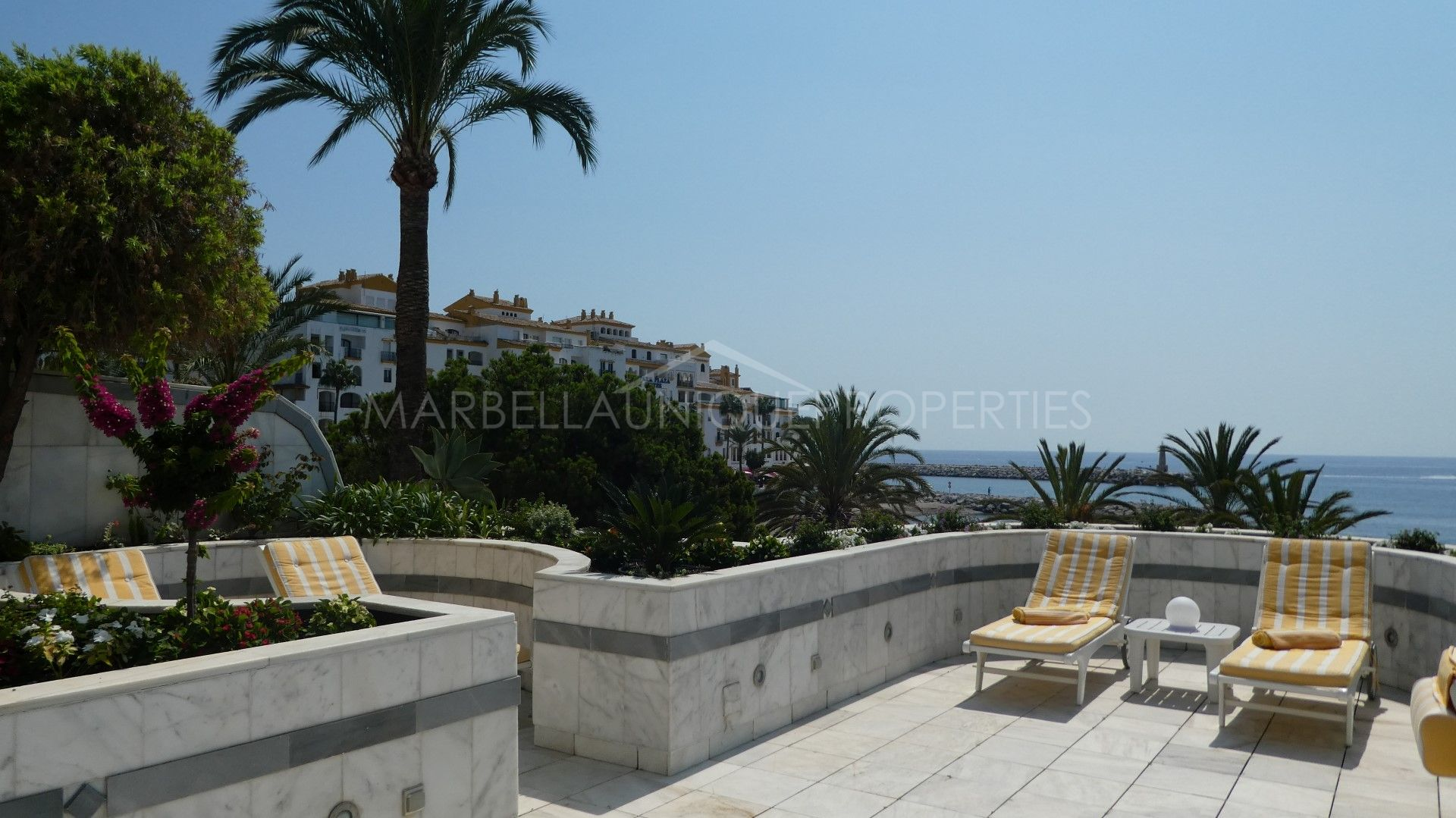 Luxurious frontline beach property in gray d 39 albion in puerto banus - Gray d albion puerto banus ...